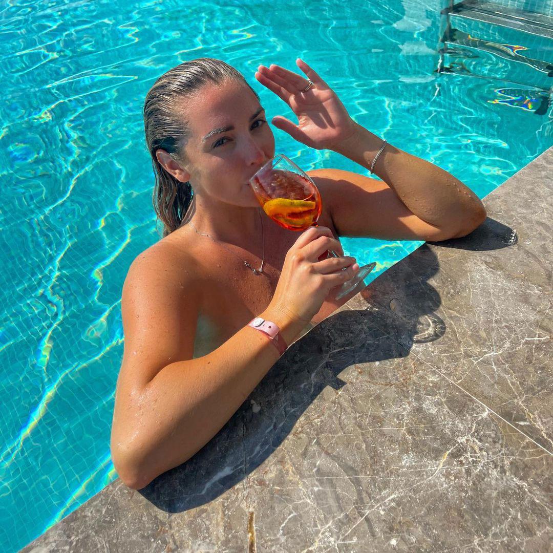 daisy watts topless swimming